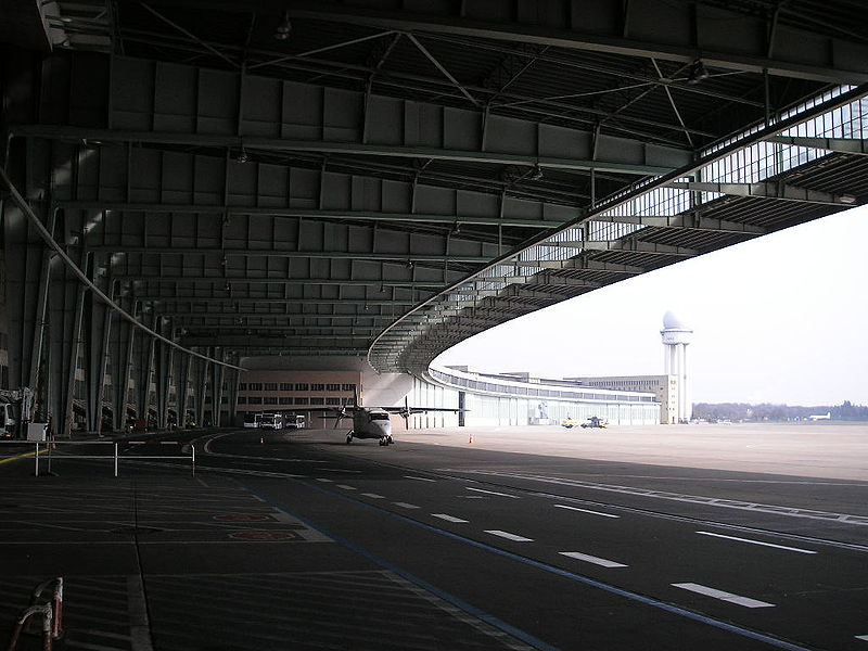 Tempelhof_March_2007_010.jpg