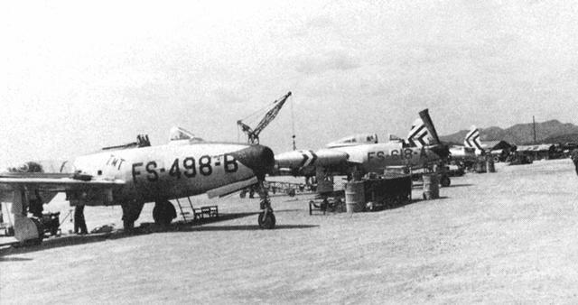 f-84e_04.jpg