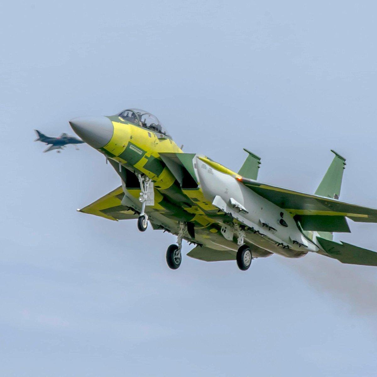 F-15QA_First_Flight_02.jpg