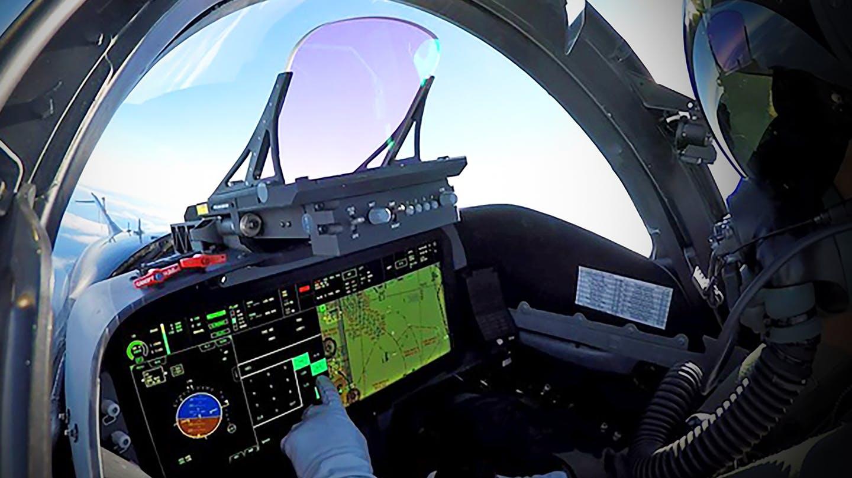 F-15QA_Cockpit.jpg