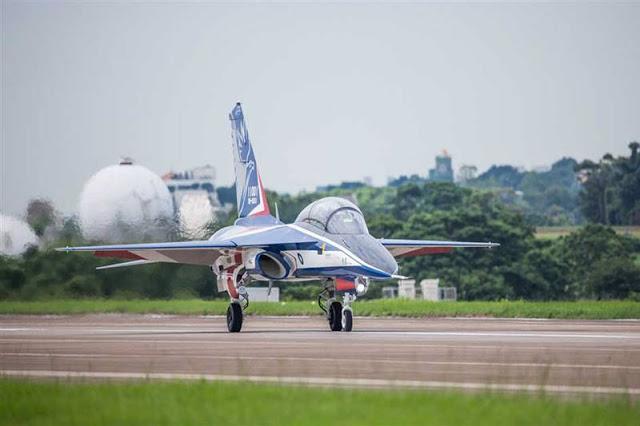 AT-5_Brave_Eagle_maiden_flight.jpg