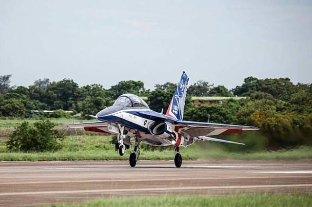 AT-5_Brave_Eagle_maiden_flight1.jpg