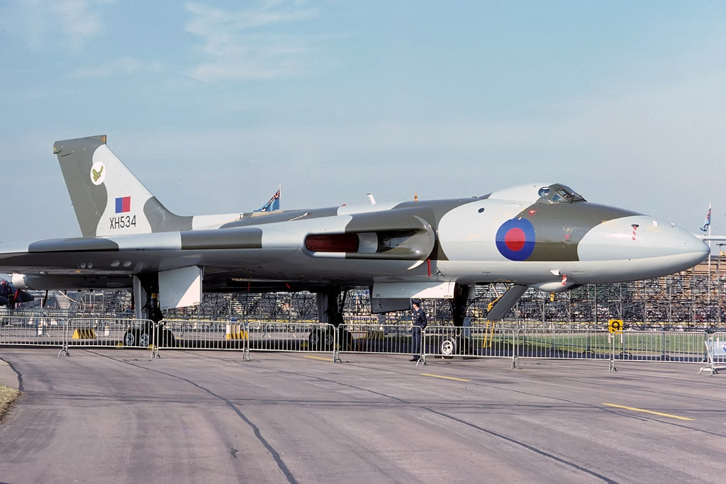 Avro_698_Vulcan_B2_(MRR),_UK_-_Air_Force_AN2262505.jpg