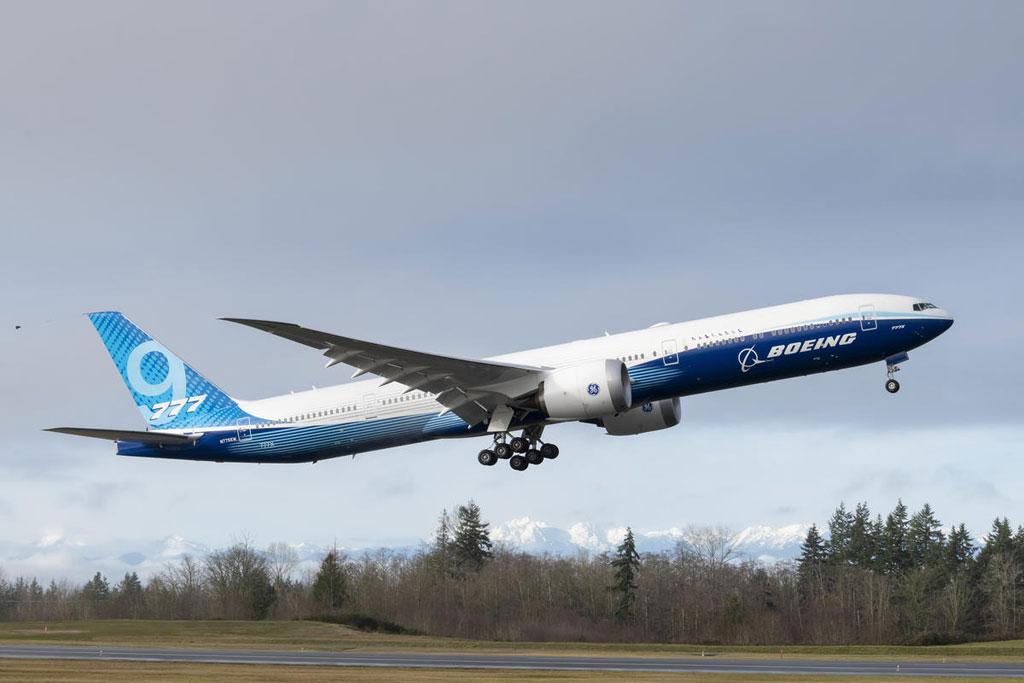 Boeing-777X-Takeoff.jpg