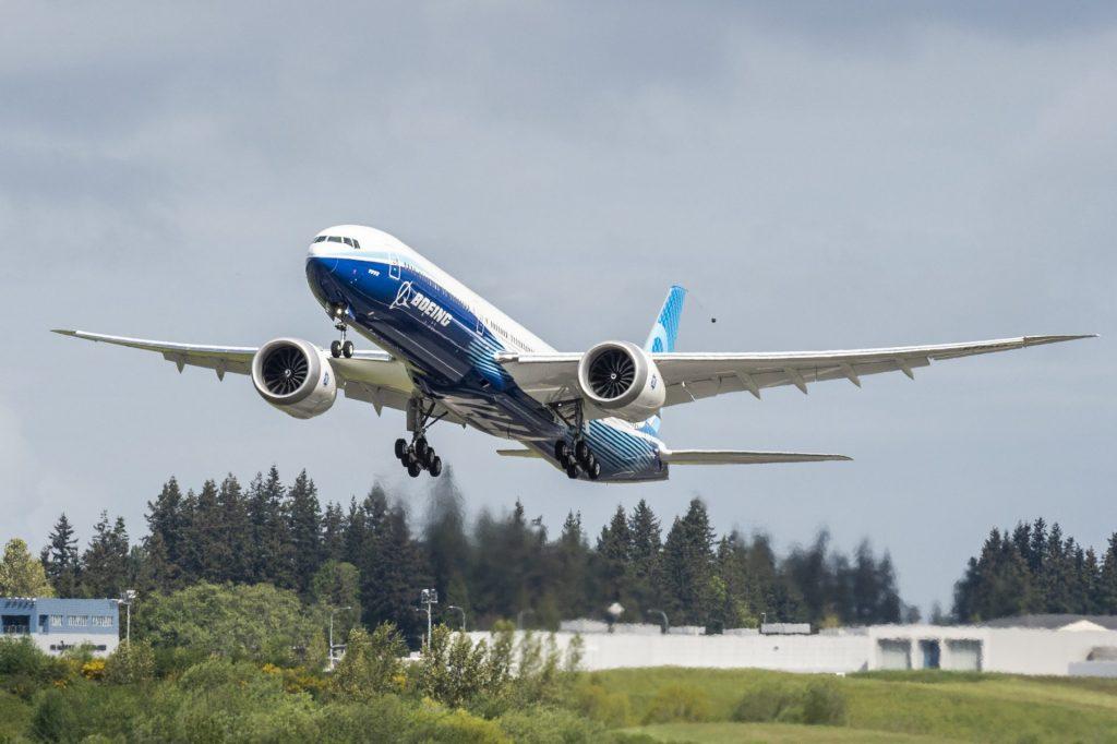 Boeing-777X-Takeoff-2.jpg