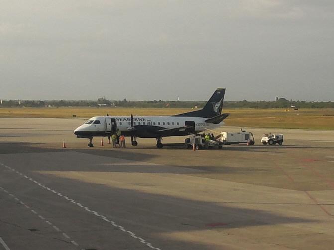 SantoDomingo_Airport_Saab340.jpg
