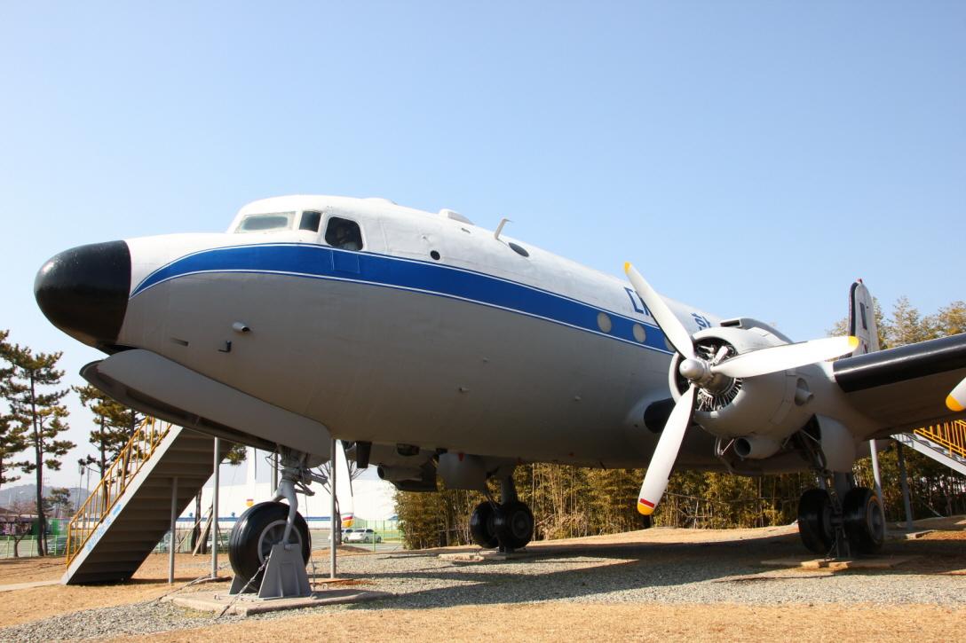 C-54E_03.JPG