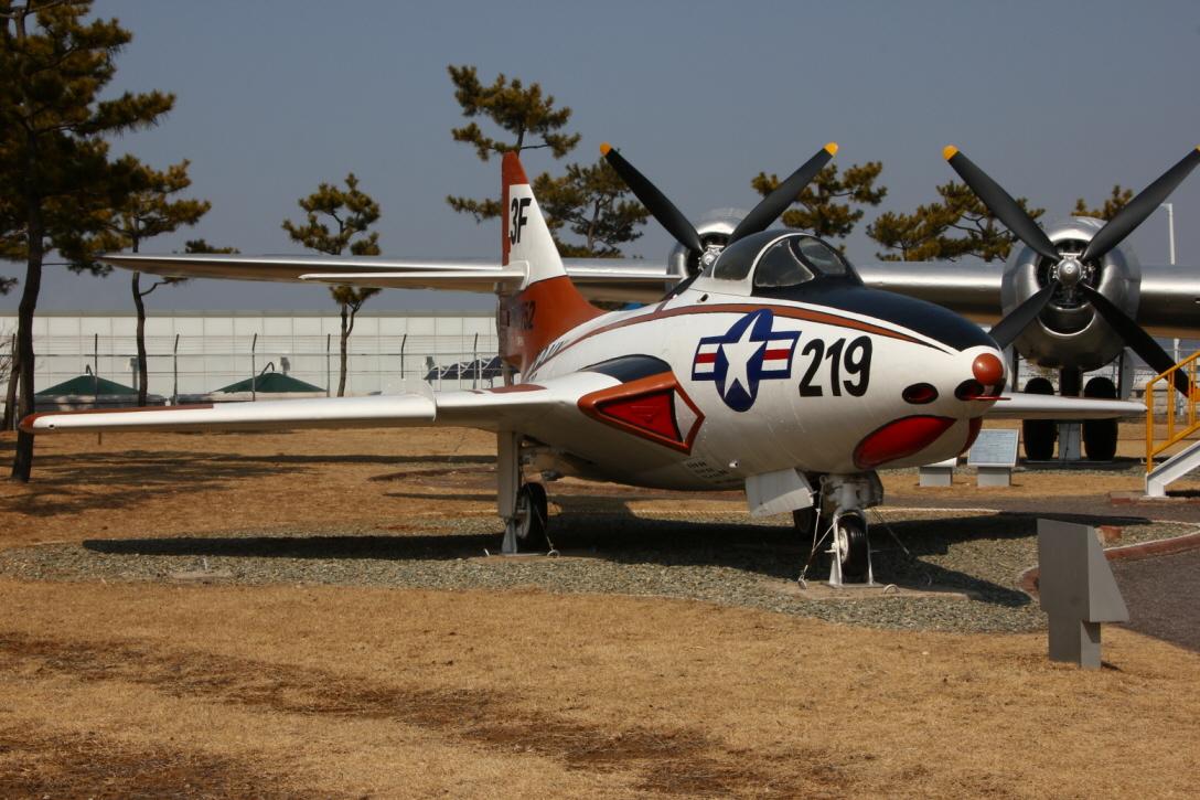 F9J_02.JPG
