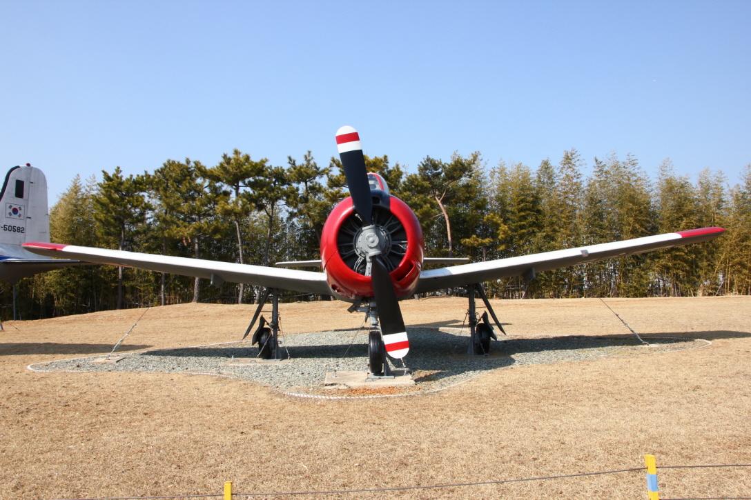 T-28A_03.JPG