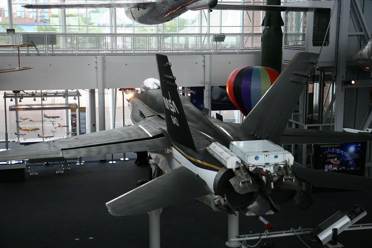 FA-18_Nasa_02.jpg