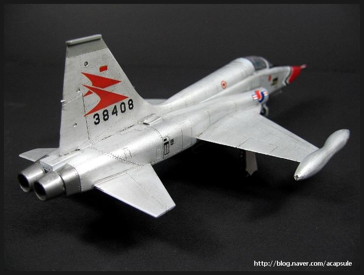 f-5a_1966_07_acapsule.jpg