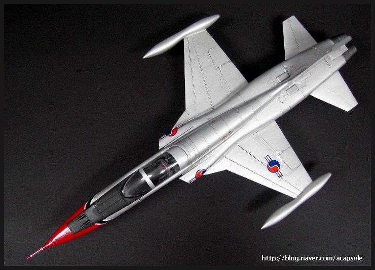 f-5a_1966_12_acapsule.jpg