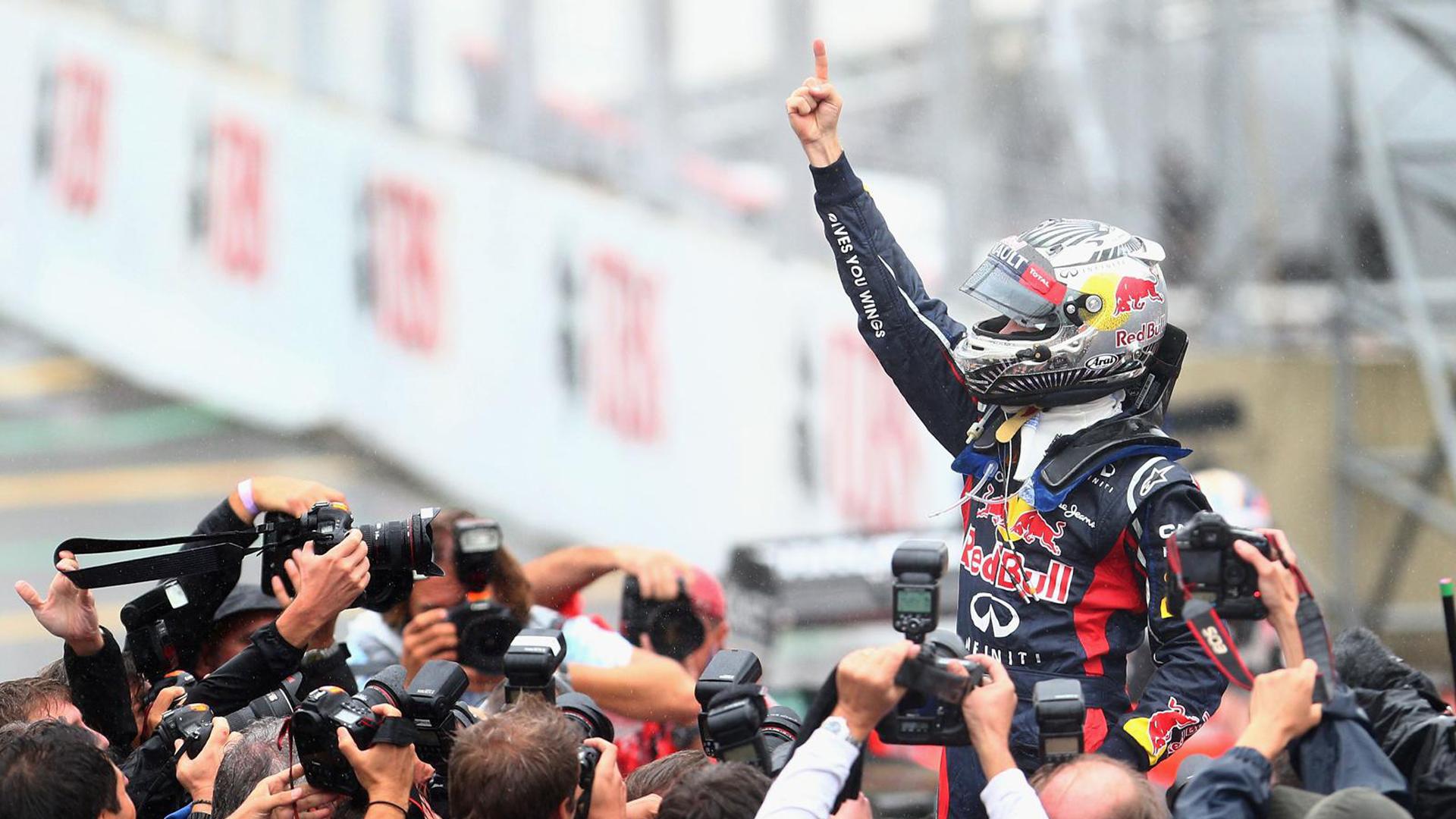 Vettel_Triple_1920_1080.jpg