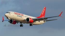 Eastarjet Boeing 737 ...